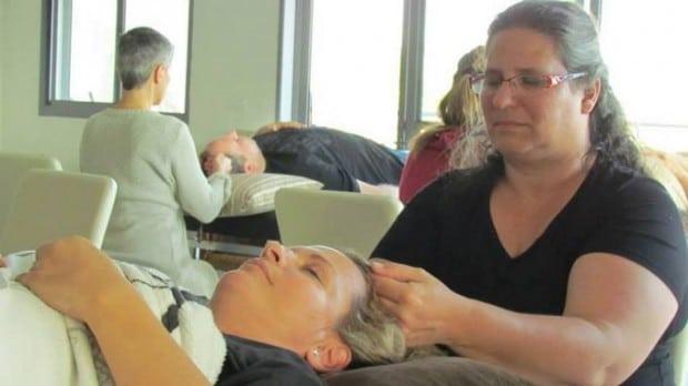אורנה מטפלת באקסס בארס